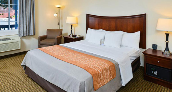 Monterey hotel rooms with coastal vibe comfort inn for Comfort inn mattress brand